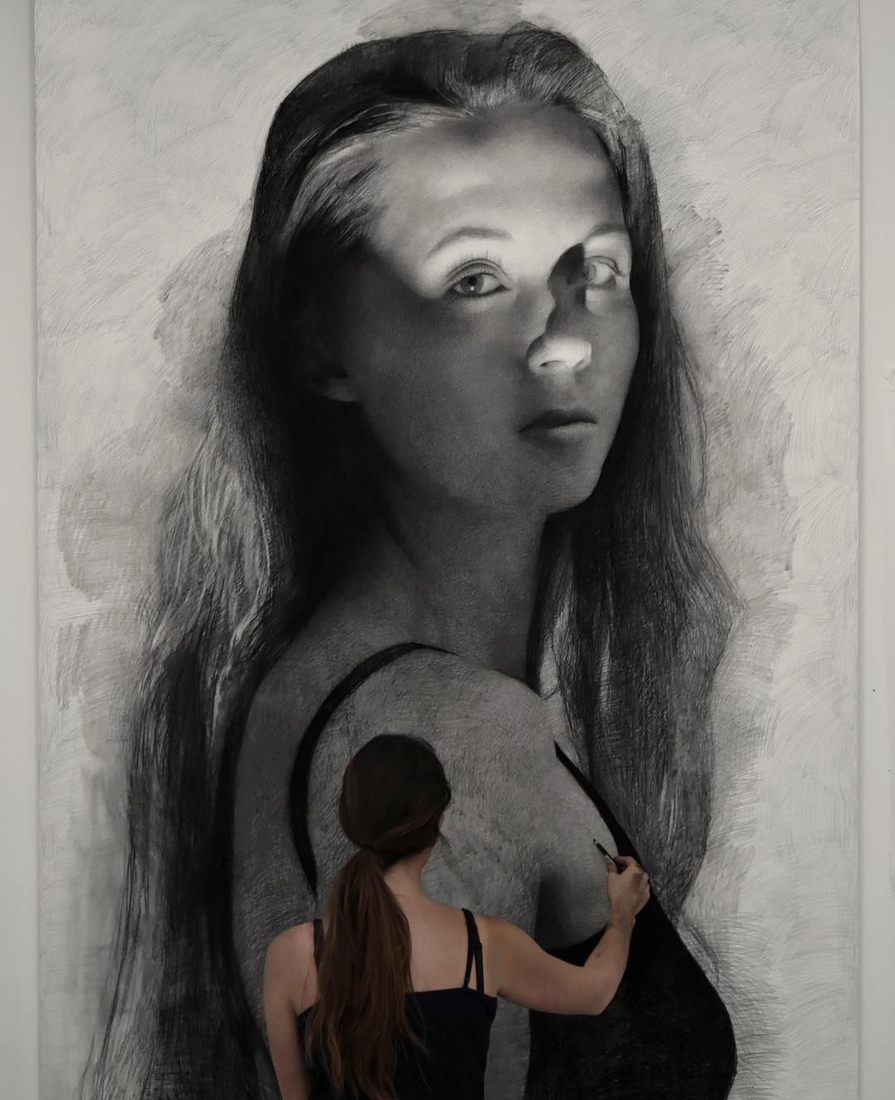 07-Clio-Newton-Enormous-Gigantic-Realistic-Charcoal-Portraits-www-designstack-co