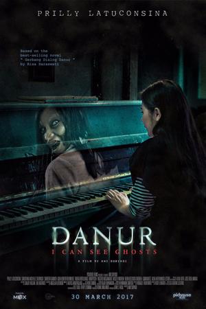 Review Danur 2017 (Prilly Latuconsina)