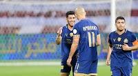 النصر يضغط على الهلال متصدر الدوري السعودي بعد تحقيق الفوز على فريق الفيصلي بهدفين بدون رد.