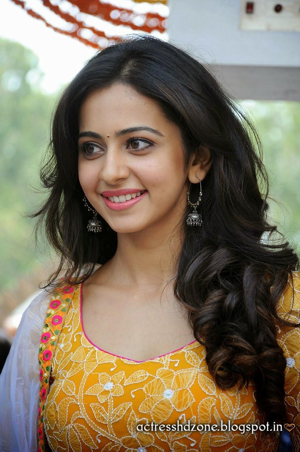 South Indian Actress Wallpapers In Hd Rakul Preet Sing Full Hd Wallpapers In Yellow Dress-5477
