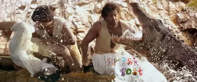 Hrithik Roshan fighting with crocodile in Mohenjo Daro action scene