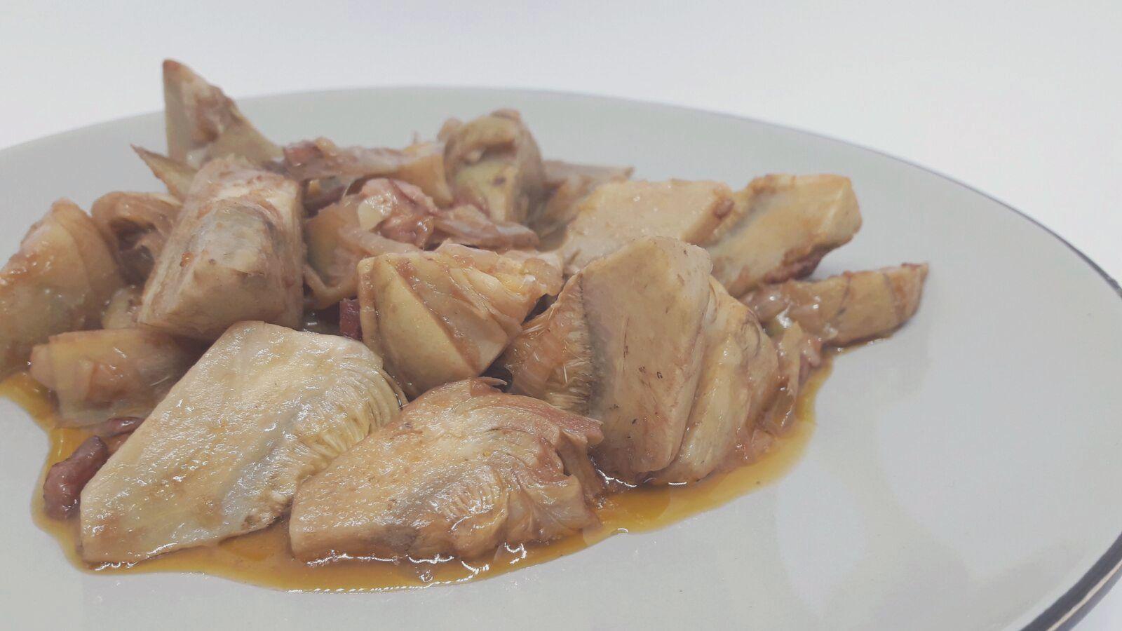 Cocinar sin miedo alcachofas en salsa for Cocinar alcachofas