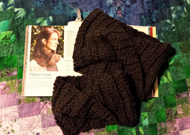 Möbius Cowls and the One Skein Wonders book