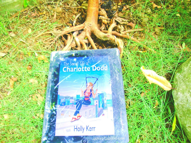 The Secret Life of Charlotte Dodd (Charlotte Dodd #1) by Holly Kerr | A ook Review by iamnotabookworm!