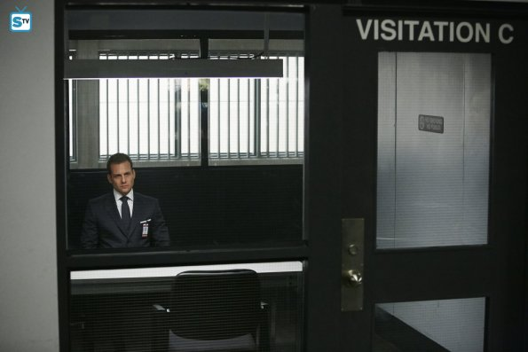 Suits - Trust - Review