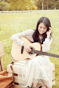 Chord Gitar Maudy Ayunda - Ajari Aku Cinta