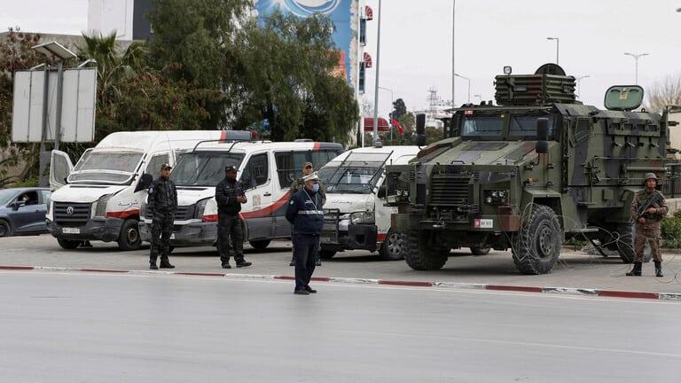 تونس-مواجهات-بين-الشرطة-ومحتجين-في-تطاوين