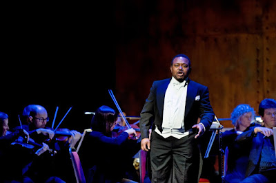 Rossini Fireworks! - John-Colyn Gyeantey - English Touring Opera (Photo William Knight)