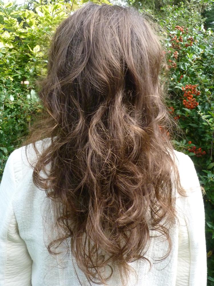 Nicht ausgebürtete Haare mit Locken nach 8 Monaten Water Only