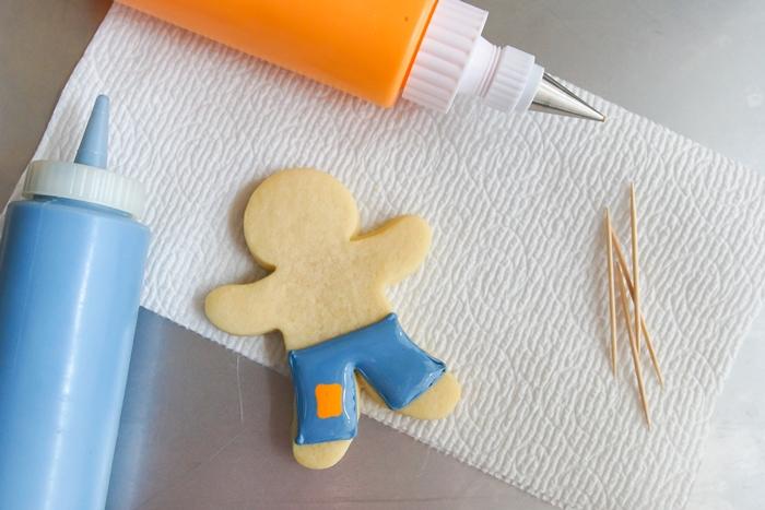how to make Scarecrow Cookies ♥ bakeat350.net