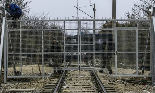 Ειδομένη: Στήνεται φράχτης και στις σιδηροδρομικές γραμμές