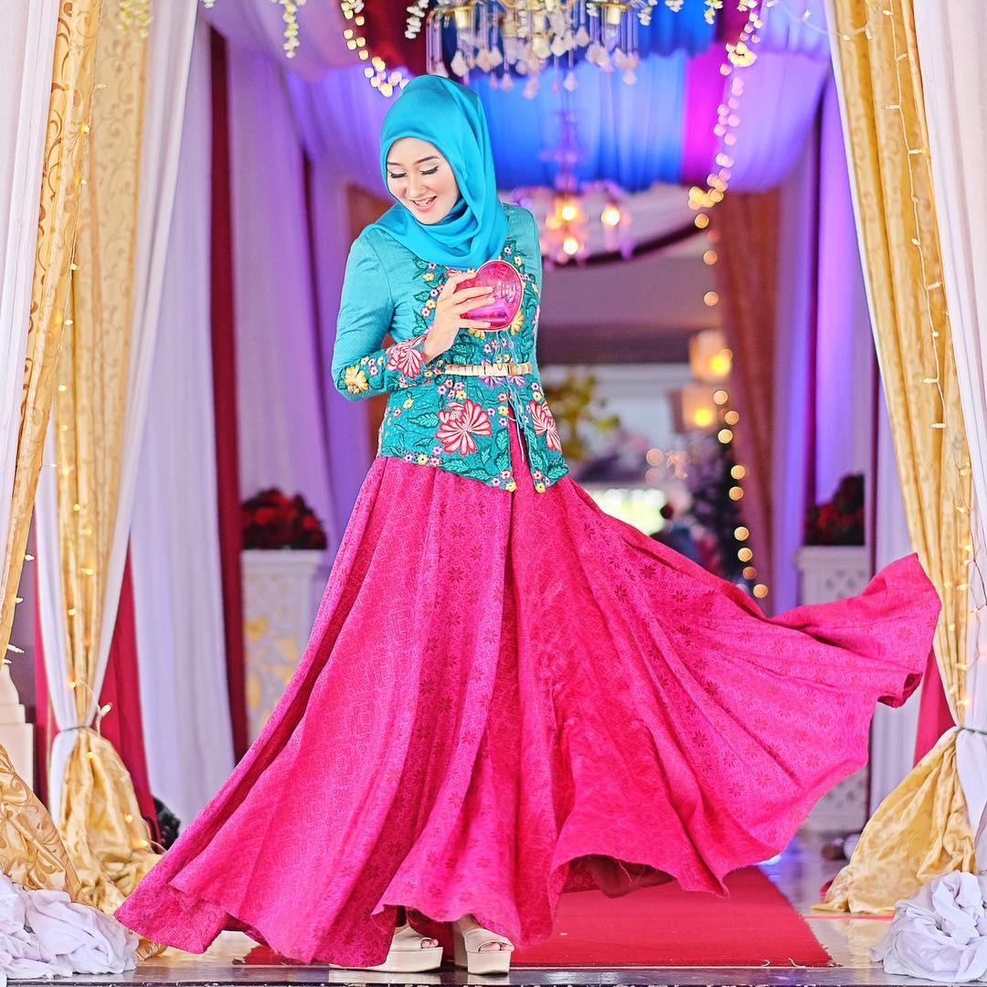 Inspirasi Model Baju Batik dari Dian Pelangi - Berita - Event Jawa