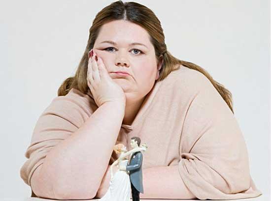 Phụ nữ thường gặp vấn đề thừa cân sau khi sinh.