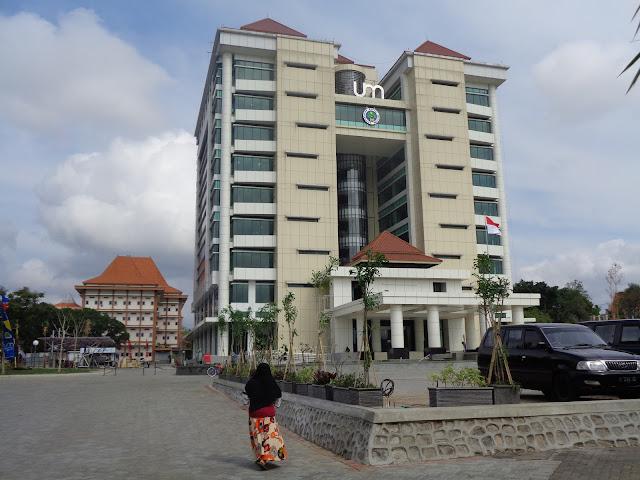 Gedung Rektorat UM