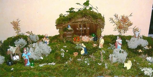 décoration naturelle paysage noel mousse crèche village décor intérieur