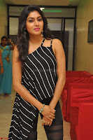Akshida in Black Tank Top at Kalamandir Foundation 7th anniversary Celebrations ~  Actress Galleries 042.JPG