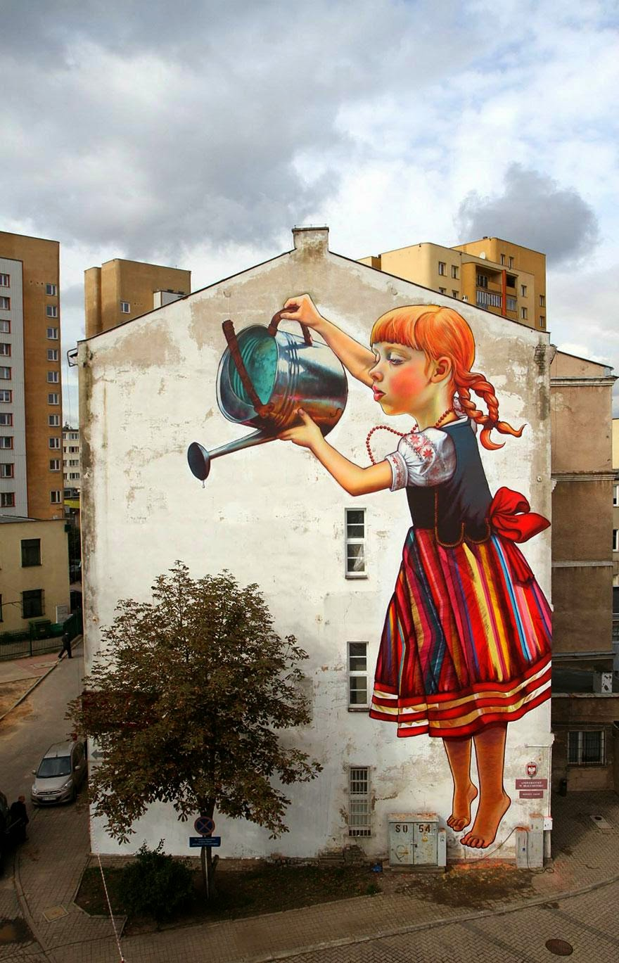 28 Pieces Of Street Art That Cleverly Interact With Their Surroundings - The Legend of Giants, Białystok, Poland