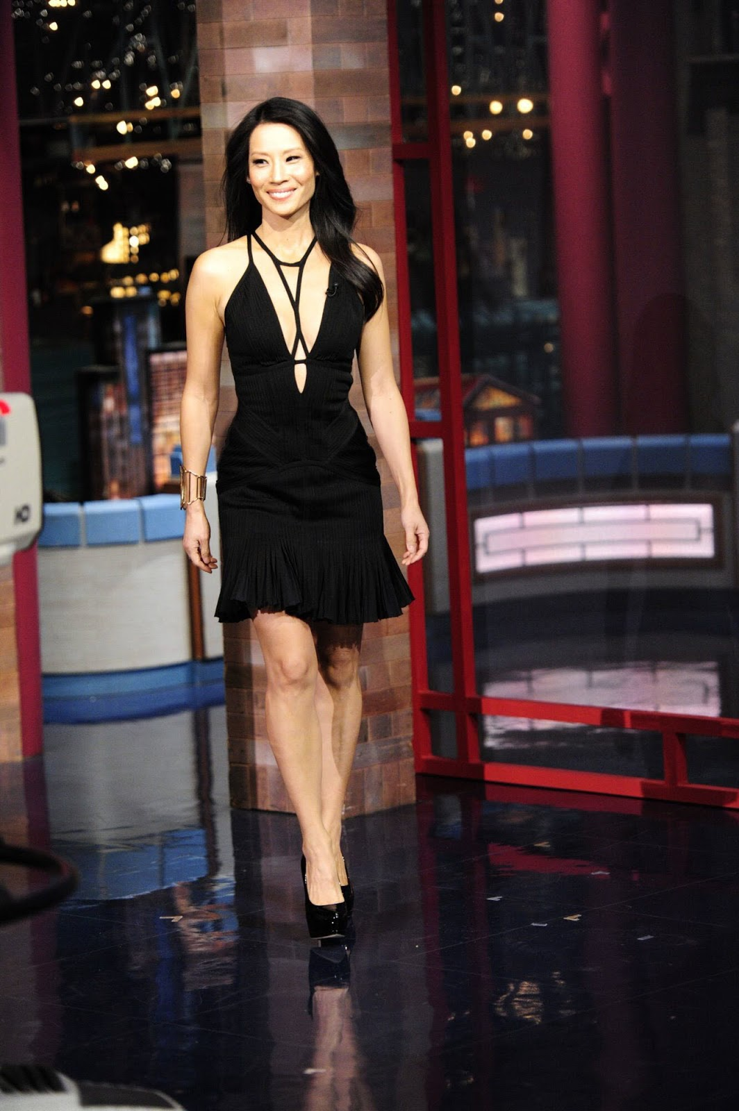 OMG Ladies: Lucy Liu Crazy Revealing Dress for Letterman - October 11, 2012