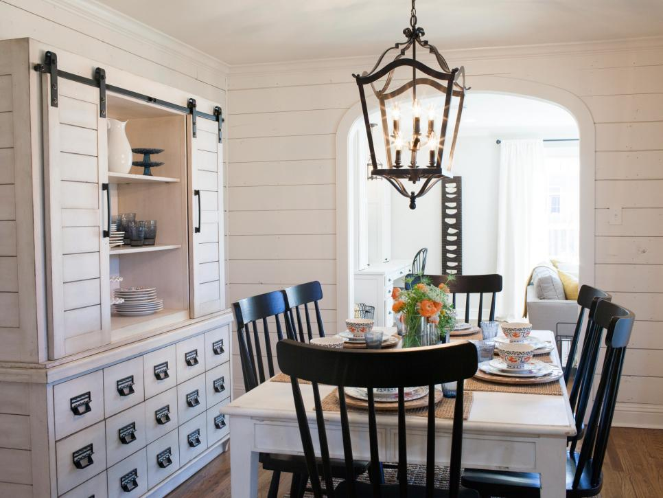 Renovation lessons from fixer upper michaela noelle designs for Fixer upper best dining rooms