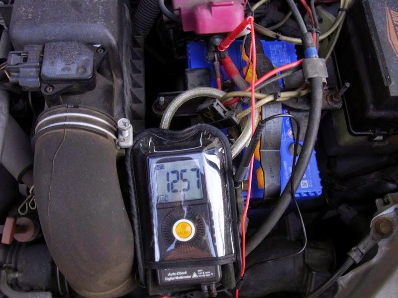 再びkaise kt-25テスターにてカオスバッテリーの電圧チェックをしました。