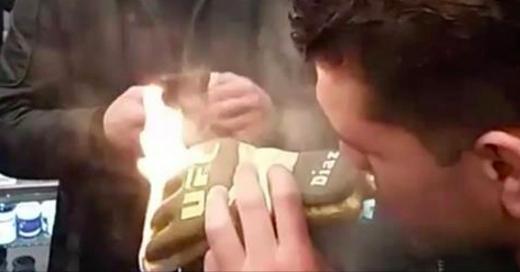 VIDÉO | Un joint en or de 2000$ pour les frères Diaz