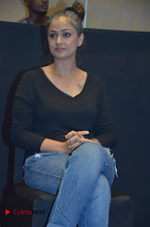 Simran and Vishal at the Launch of The Pride of Tamil Nadu Event Stills  0026.jpg