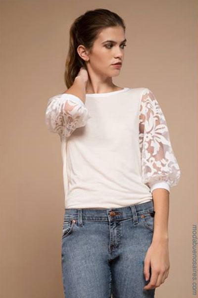 Blusas invierno 2018. Looks de moda 2018: Blusas de moda con transparencias combinadas con jeans.| Moda 2018.