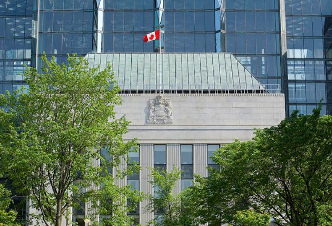 توقعات بدفعه ايجابيه للدولار الكندى تزامنا مع السياسه النقدية وأسعار الفائدة الكنديه غدا
