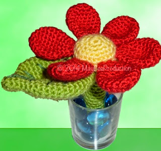 https://www.crazypatterns.net/de/items/1603/blume-mit-stiel-pdf-haekelanleitung