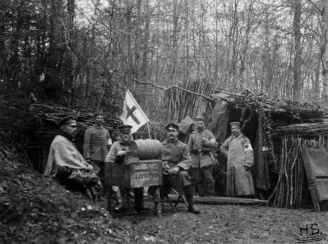 MONTAUVILLE (54) - Le Bois le Prêtre : tranchées allemandes