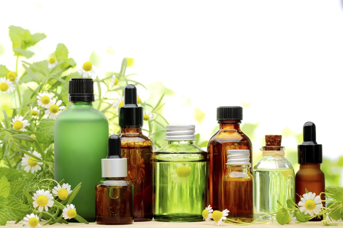 Aceite de árbol de té, aceite de almendras dulces y aceite de coco