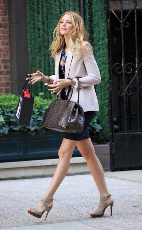 Fashion Gossip Seeing Stars This Fall Dolce Gabbana: Fashion 2 Obsession