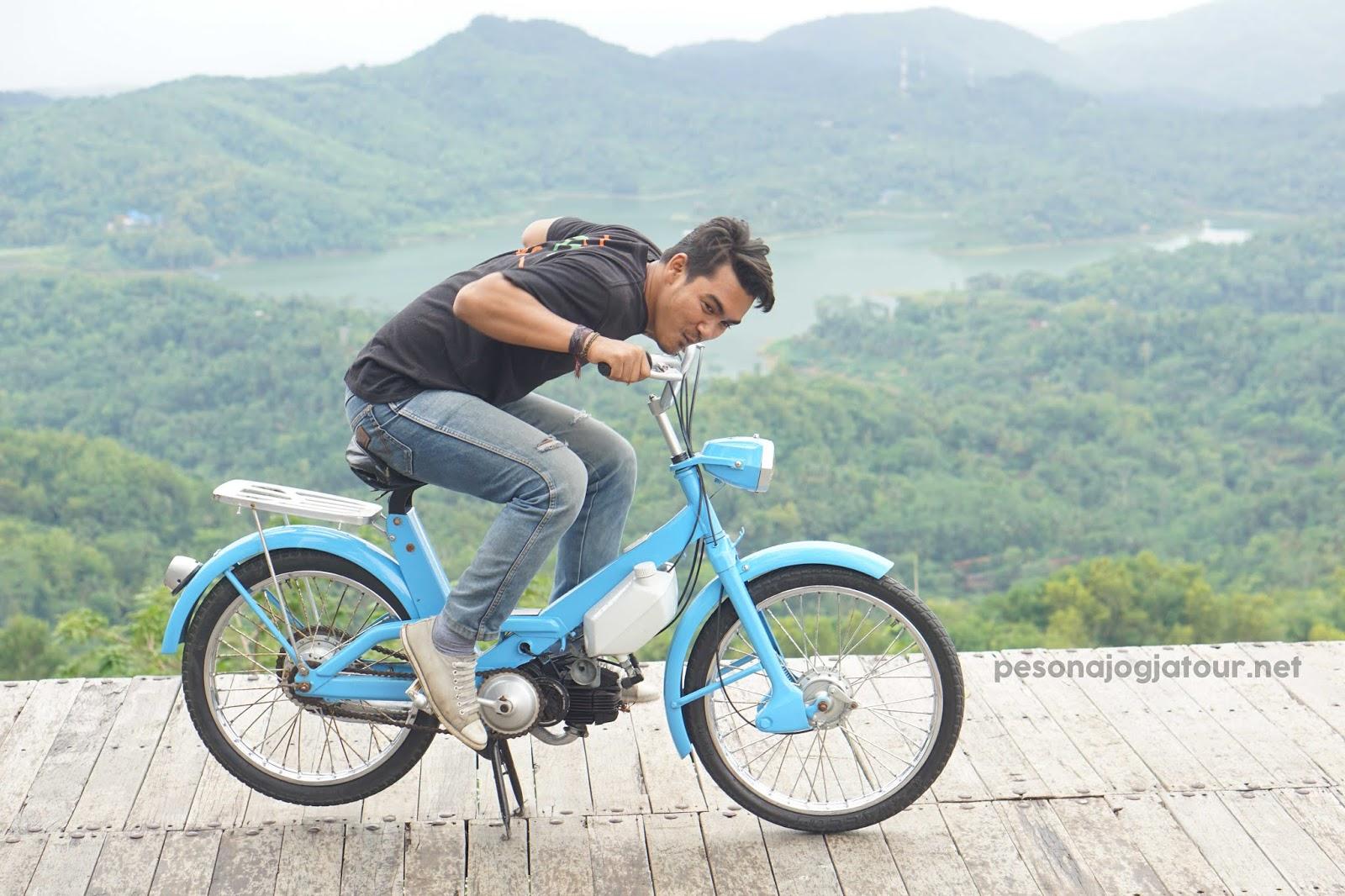 Spot sepeda motor pule payung