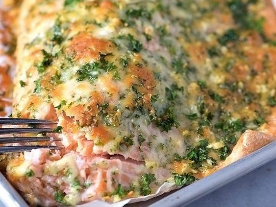 http://addapinch.com/baked-salmon-with-parmesan-herb-crust-recipe/#easyrecipe-8550-0