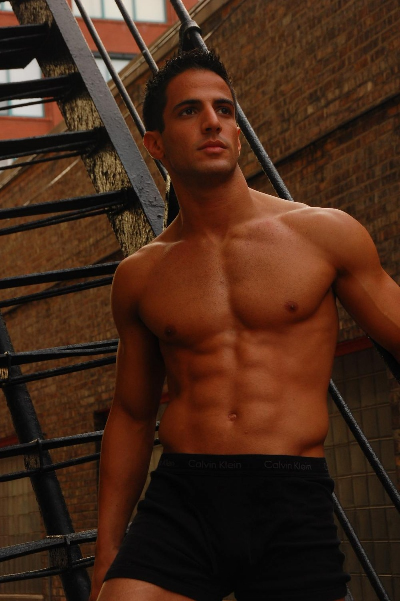 Arabian Naked Gay 99