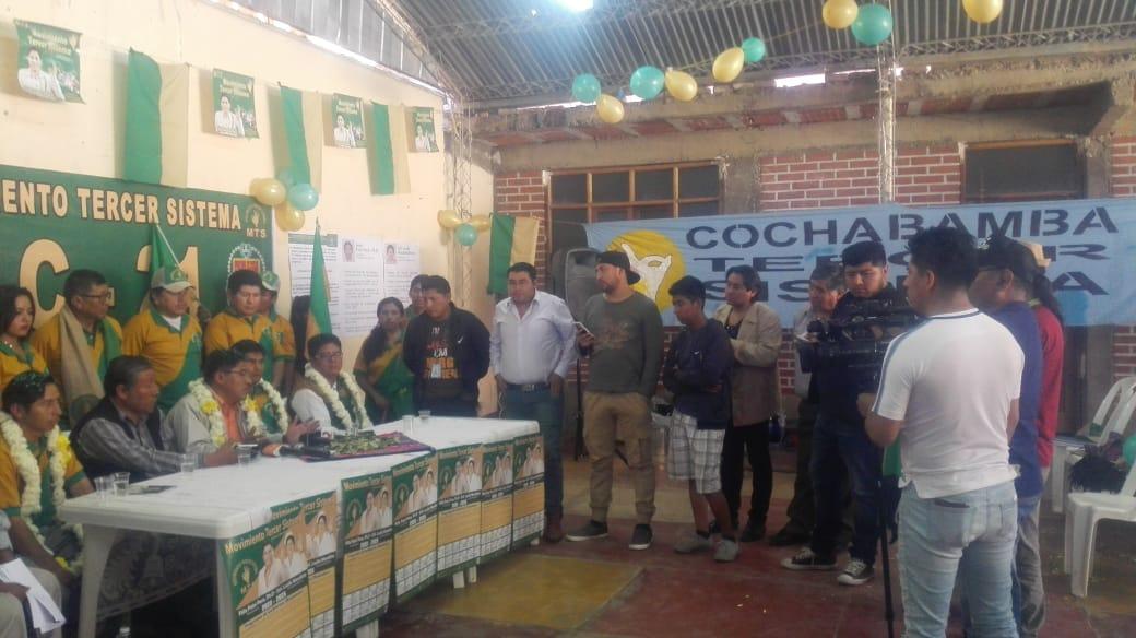 Félix Patzi en reunión partidaria en Villa Pagador de Cochabamba / MTS