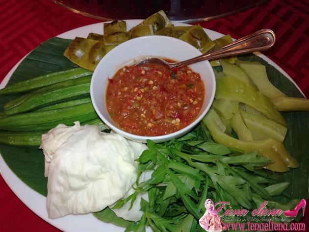 Ulam ulaman dan sambal belacan