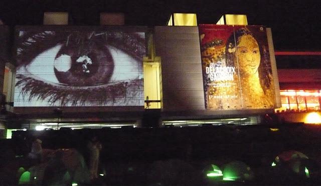 Oeuvre Témoins sur le façade du Musée de Grenoble