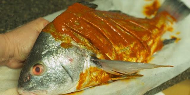 Cara Jitu Menghilangkan Bau Amis Ikan