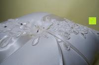 seitlich: Hochzeit Ringkissen mit Satin Bogen 21cm* 21cm