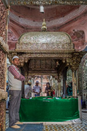Inner chamber of the Dargah
