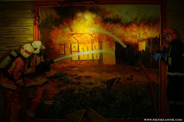 lukisan di Klang Fire station