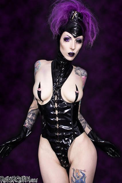 Skinny fetish sex model Razor Candi in hot latex