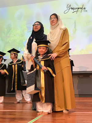 preschool graduation in little bumblebee montessori preschool shah alam