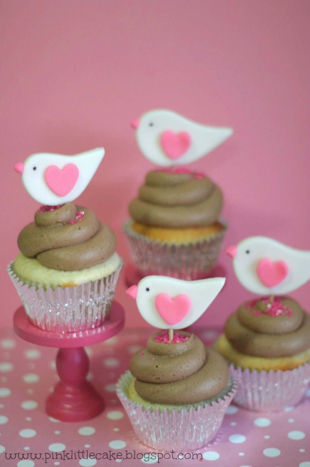 Pink Little Cake: Valentine Birds Cupcake Toppers