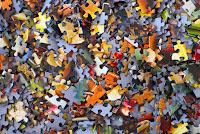 Piezas de puzzle, resolución de enigmas