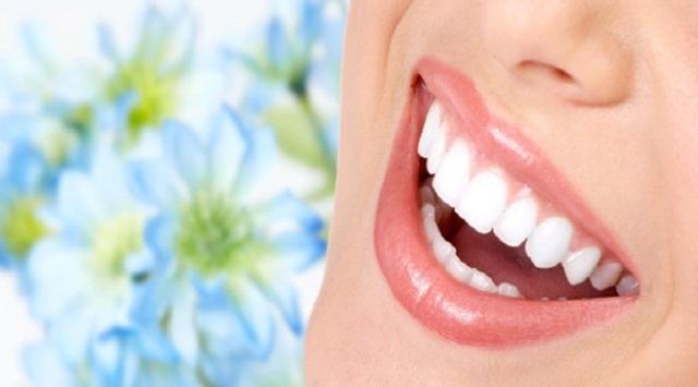 Kesehatan gigi dan ekspresi tentunya menjadi hal yang sangat penting bagi anda utamanya ketika 5 Tips Menyegarkan Mulut dengan Makanan dan Minuman yang Sehat