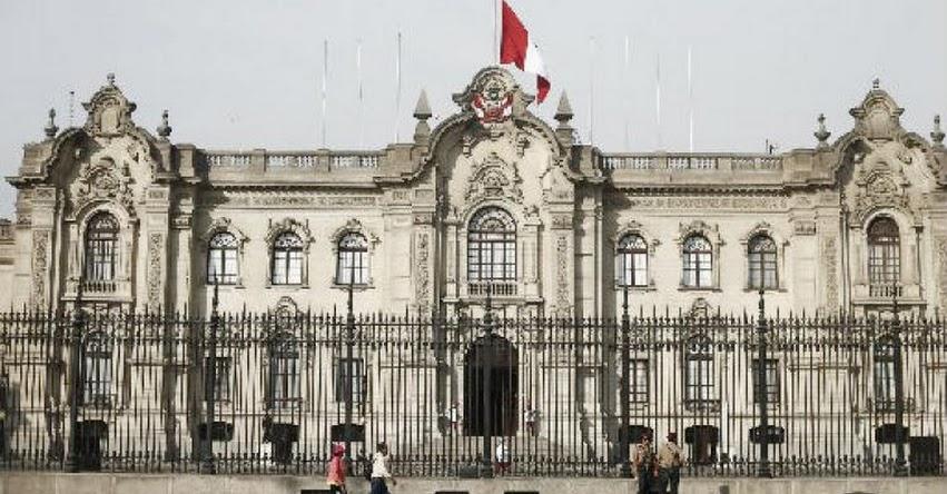 Bachilleres podrán ser contratados como personal altamente calificado en ministerios, PCM y Palacio (D. S. N° 021-2017-EF)