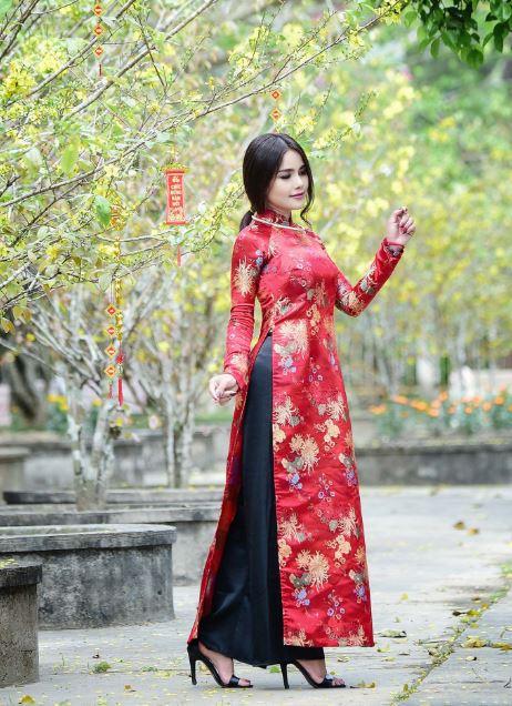 Hotgirl Thach thi Si Na