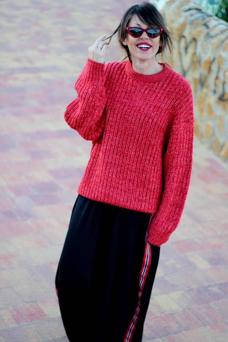 ZARA- MARIA MAINEZ - STREETSTYLE - FASHION - RED - LOOK - SUMMER 2018 - CATEYE